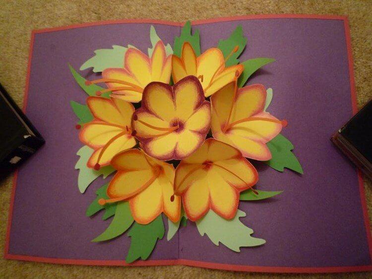 Мужчине, открытка со складными цветами